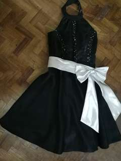 Two tone black dress perfect for prom or parties