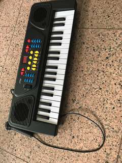 Piano ( battery operated toy )