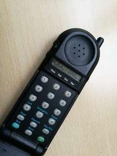 古董天地線手機
