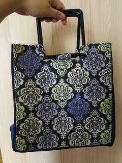 Fit and fresh insulated bag