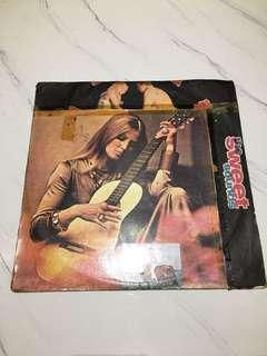 冠軍之歌 THE GOLDEN HITS CASH BOX 1965-1970) 早期黑膠唱片 造型背景 裝置藝術 黑膠唱片