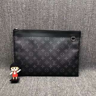 💯% Authentic Louis Vuitton Clutch