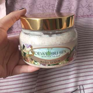 DEWI SRI SPA Whitening Body Scrub