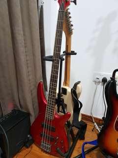 Ibanez SR300 bass guitar (underused)
