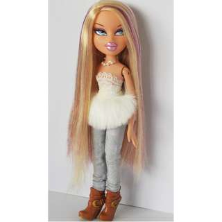 Bratz Cloe Purple streak hair