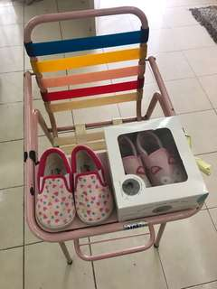 Used baby chair & 2 pairs of shoes sizes 5 & 6 for kids