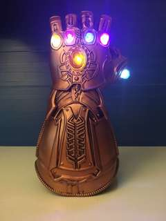 Marvel 無限手套 Infinity gauntlet (可戴上手和發光)