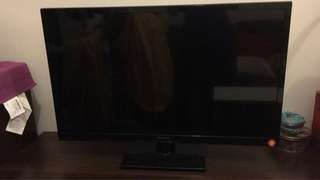 "Panasonic 32"" TV  model : TH-L32B6H"