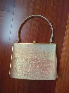 日本帶回 全新金色編織手拿包