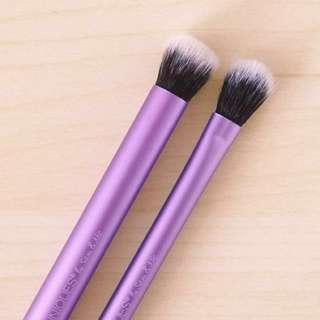 Real Techniques Eye Shade + Blend Set (Shadow Brush, Crease Brush)