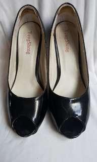 🚚 【二手】魚口黑色跟鞋 23.5 / 10cm