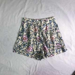 H&M Flowy Shorts