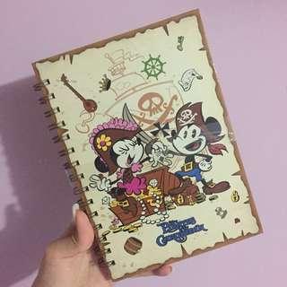 Disneyland Mickey Minnie迪士尼米奇米妮海盜硬皮筆記簿