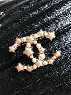 Chanel珍珠星星胸針