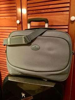 Samsonite travel bag 99% new
