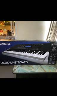 CASIO CTK 4400 WITH STAND 9/10 VERY GOOD CONDITION