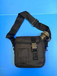 🚚 Tactical military 2L square drinking bottle bag