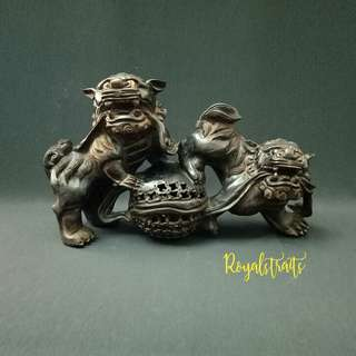 Collectibles a Pair Guardian Lion Playing Balls