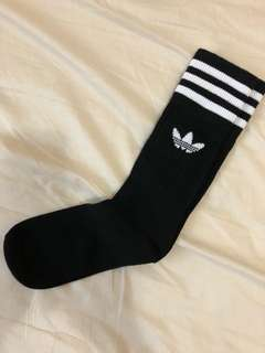 [adidas]愛迪達小腿襪 adidas Originals Crew Socks Black