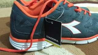 Diadora size 42