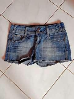 SALE..HOTPANTS jeans SETARA M