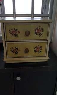 Mimi vintage drawers