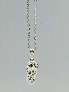 🚚 VV: Souvenir charming Merlion necklace 5.0