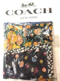 Coach scarf 頸巾 (購自日本)