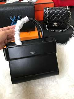 💕Customer's Purchased, Givenchy Horizon Bag