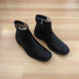 Authentic Bally Chelsea Boots