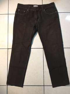 Celana jeans pria. nevada coklat. XL. 32-33