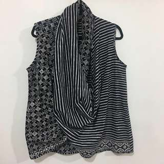 Twisted outer black and white