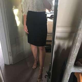 Elegant corporate pencil skirt