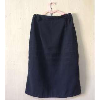 rok kerja warna hitam