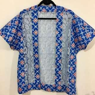 Cardigan batik with lace blue