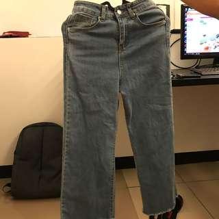 🚚 復古單寧不收邊微喇叭褲 牛仔褲