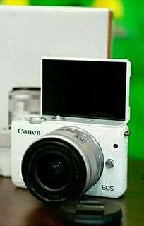 CANON EOS M10 KIT,white