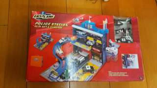 Police station play set and carcase