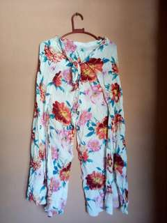 Flowery Pants with Slit