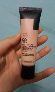 🚚 BN Bodyshop Matte Clay skin clarifying foundation