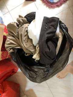 Clothes Hoarder SellinWardrobe Clearance of more than 100 Pieces Of Major Fashion Brand Fashion Labels Like Zara, GG<5, Mango and etc.