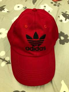 🚚 紅色仿愛迪達老帽
