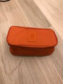 🈹❤️99% New Travel bag- 長10.5 吋/ 闊6 吋