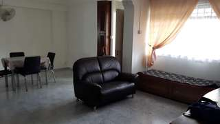 No agent fees 4 room whole unit just opposite TPY MRT.