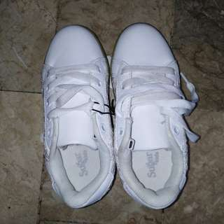 sneakers kids shoes C.6