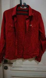 Blus Lengan Panjang Warna Merah Triset