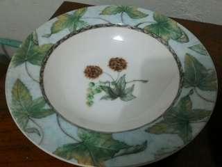 piring makan keramik retro vintage