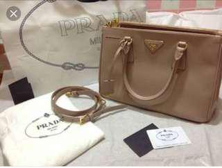Authentic prada saffiano double zip.