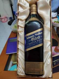 陳年左走蓝牌oldest威士忌750ml 連盒全套。