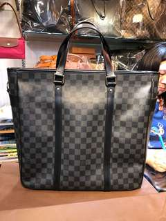 🚚 Louis Vuitton 黑色棋盤格手提肩斜背包